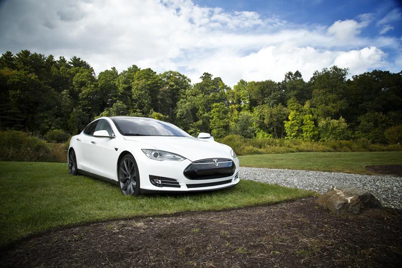 Tesla beneficios